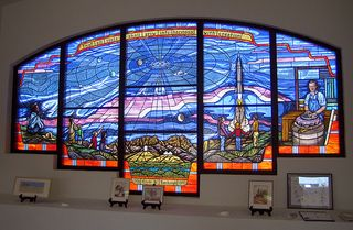 Clyde_tombaugh_unitarian_church_window
